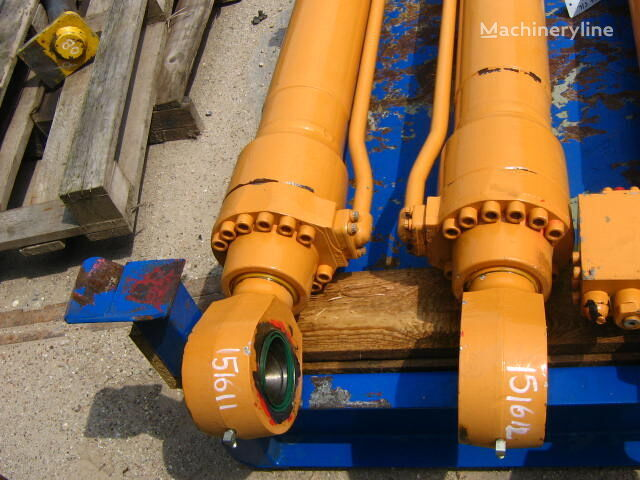CASE hydraulic cylinder for CASE WX185 excavator