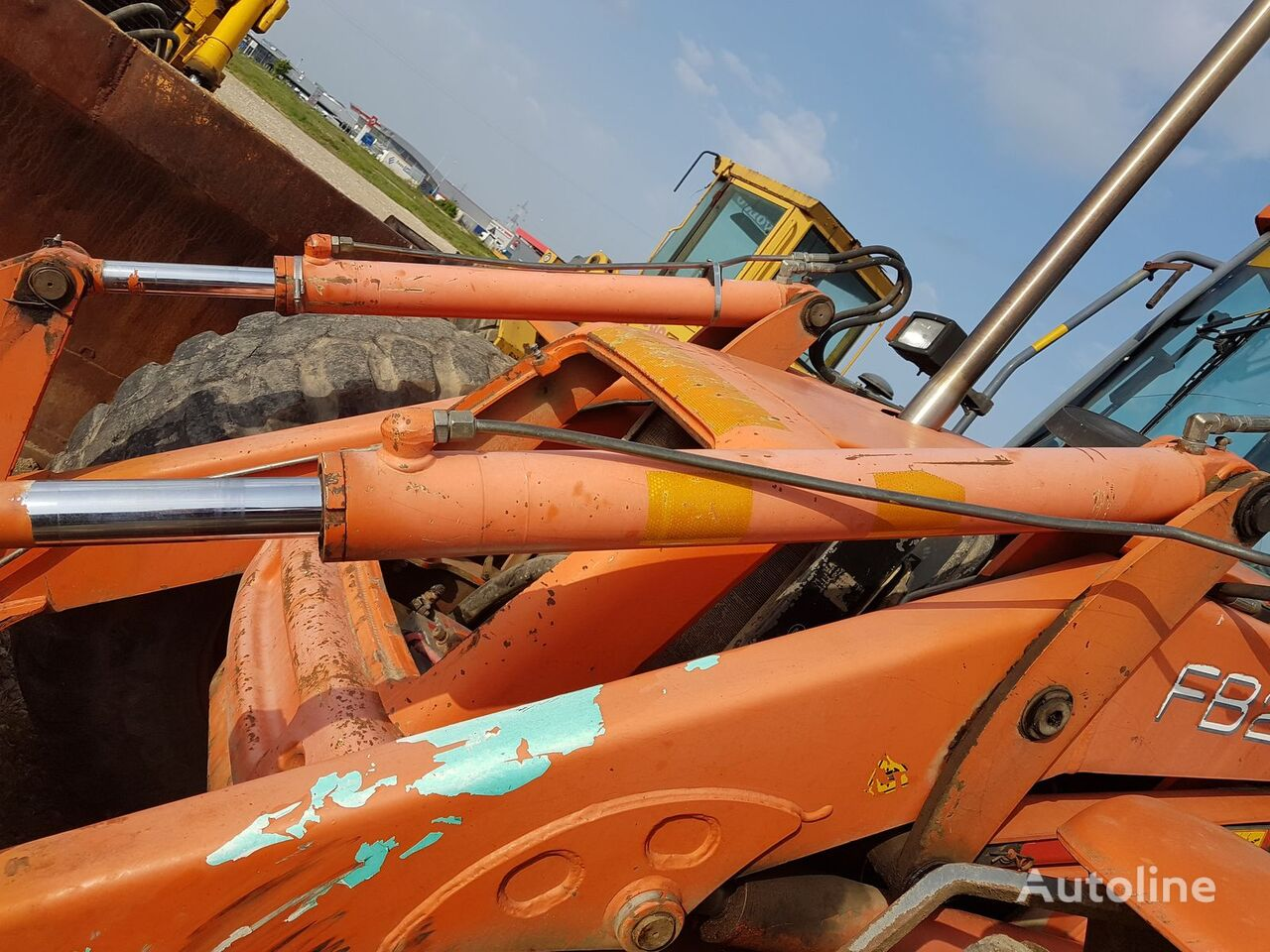 NEW HOLLAND hydraulic cylinder for NEW HOLLAND FB 200 backhoe loader