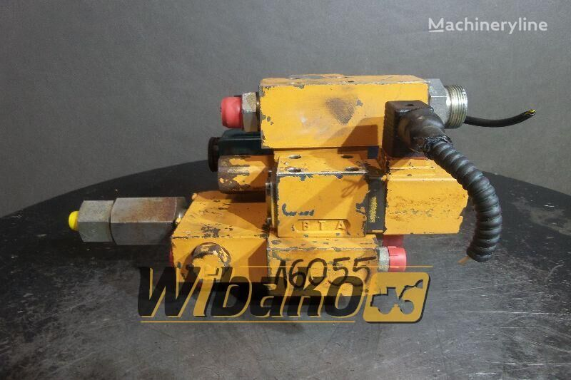 CASE 688B hydraulic distributor for CASE 688B tracked excavator