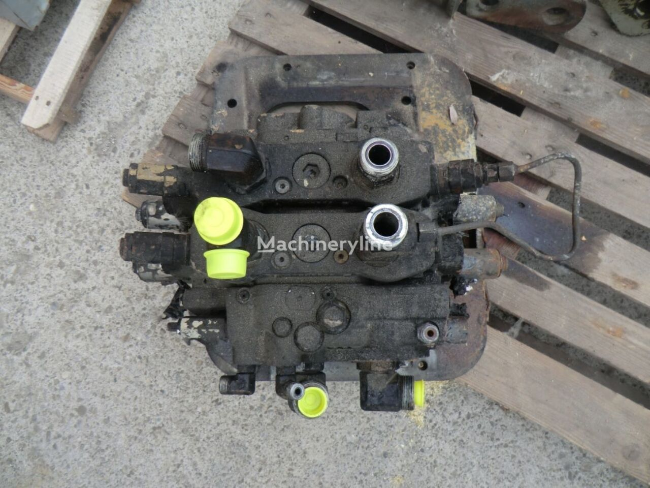CONTROL VALVE LCS00315 hydraulic distributor for CATERPILLAR 963D  track loader