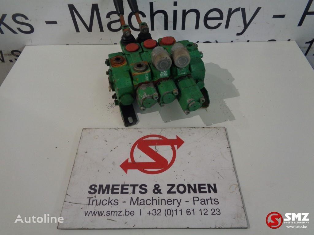 Diversen hydraulic distributor for truck