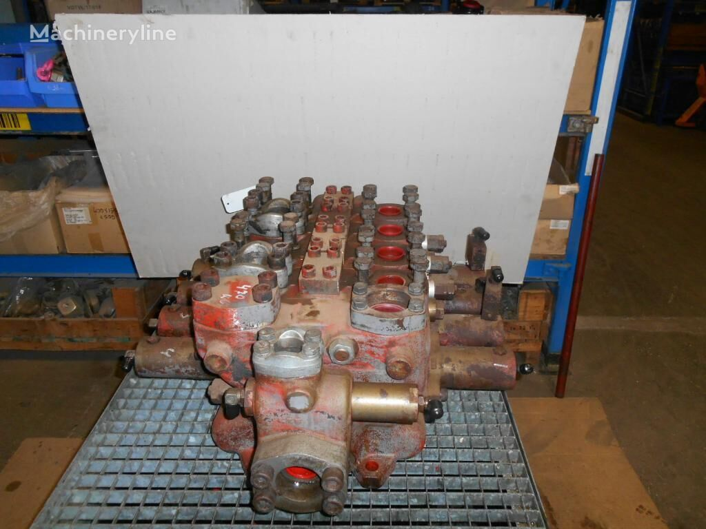 HITACHI hydraulic distributor for HITACHI EX1800 excavator