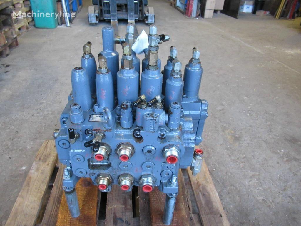 KAWASAKI KMX154C/B33041E-10 hydraulic distributor for excavator