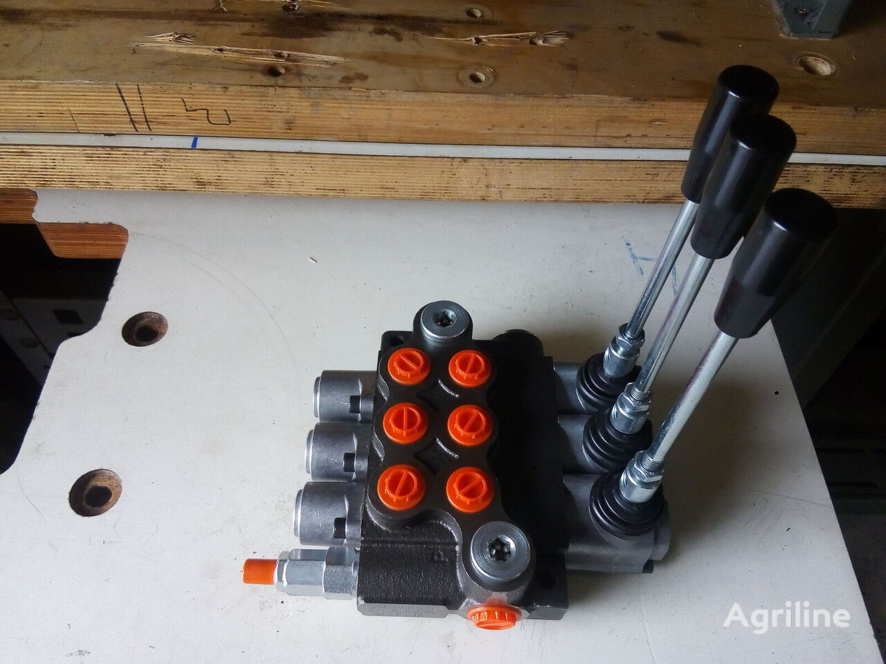 new MTZ 3r80 (3P80 1A1A1A1GKZ1) hydraulic distributor for MTZ tractor