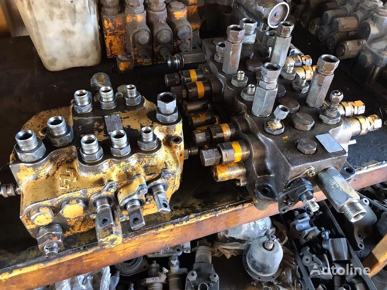 USED JCB 3CX 4CX BACKHOE LOADER CONTROL VALVE FRONT VALVE REAR V hydraulic distributor for JCB 3CX / 4CX backhoe loader