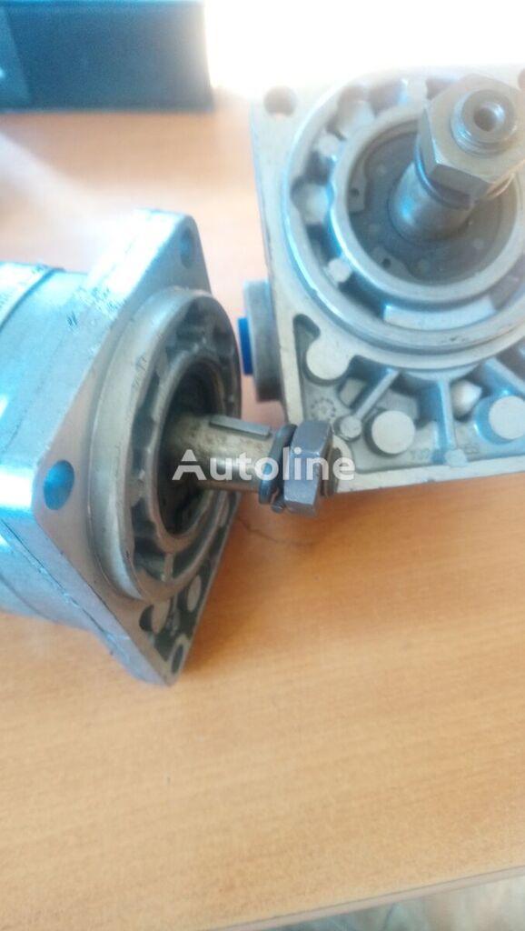 new EATON (GM5-12-H11F-23L) hydraulic motor for asphalt paver