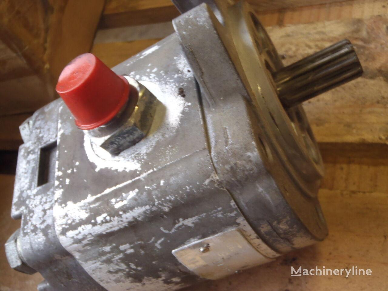 HITACHI 9218005 hydraulic pump for excavator