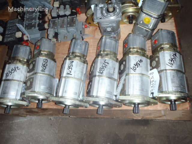 new O&K 4531253 hydraulic pump for FX215   other construction equipment
