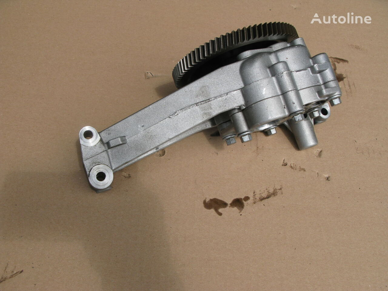 SCANIA oil pump for tractor unit