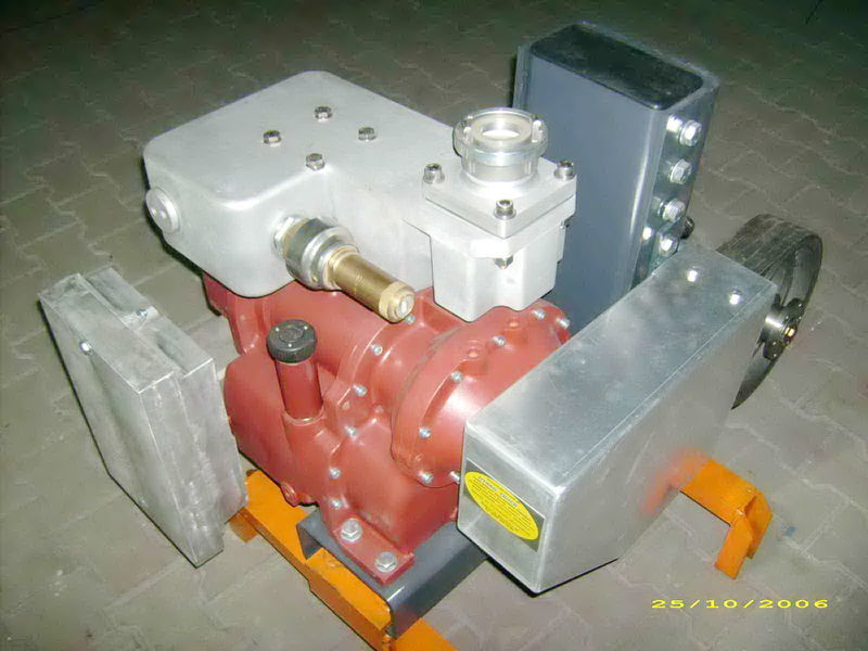 pneumatic compressor for CG80 GHH RAND Light tank semi-trailer