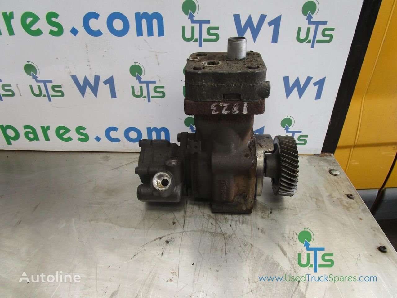 MERCEDES-BENZ POWER STEERING PUMP pneumatic compressor for MERCEDES-BENZ 1323/1823/2528 truck