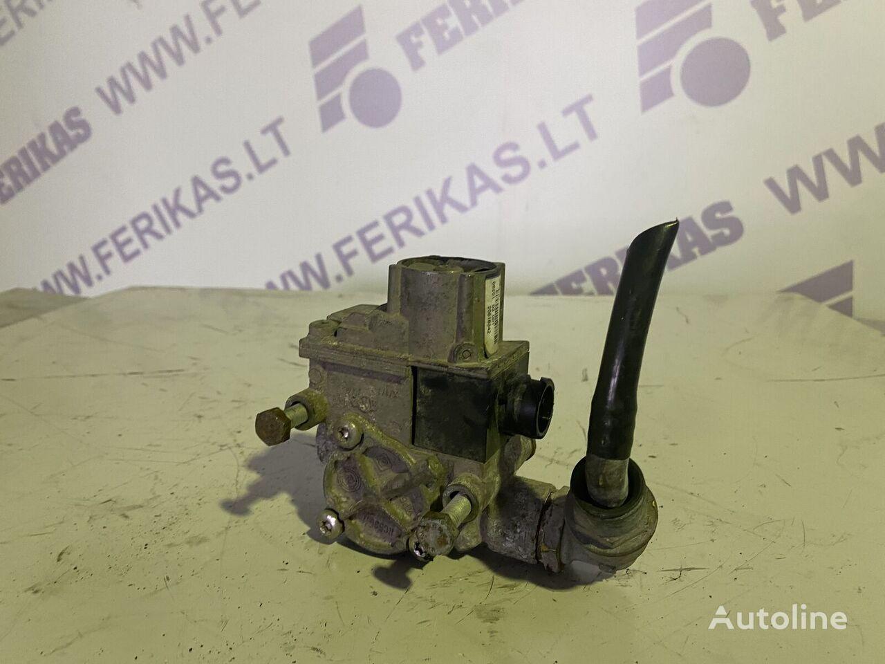 RENAULT brake valve (20516342) pneumatic crane for RENAULT premium  tractor unit
