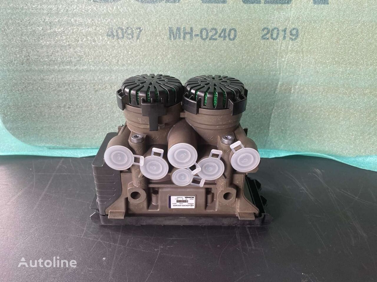 new (1879280) pneumatic valve for tractor unit