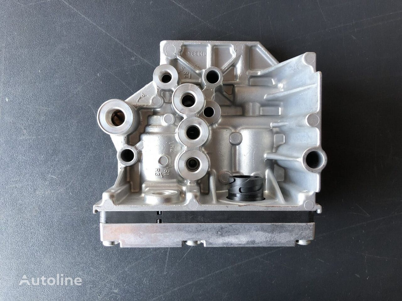 (2423447) pneumatic valve for tractor unit