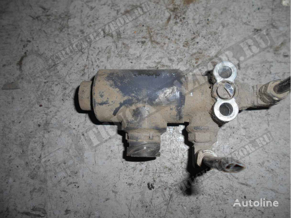 pneumatic valve for DAF tractor unit
