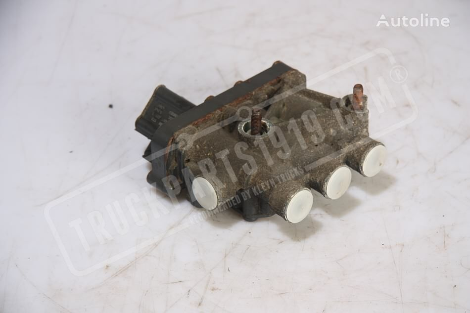 IVECO (4728800200) pneumatic valve for truck