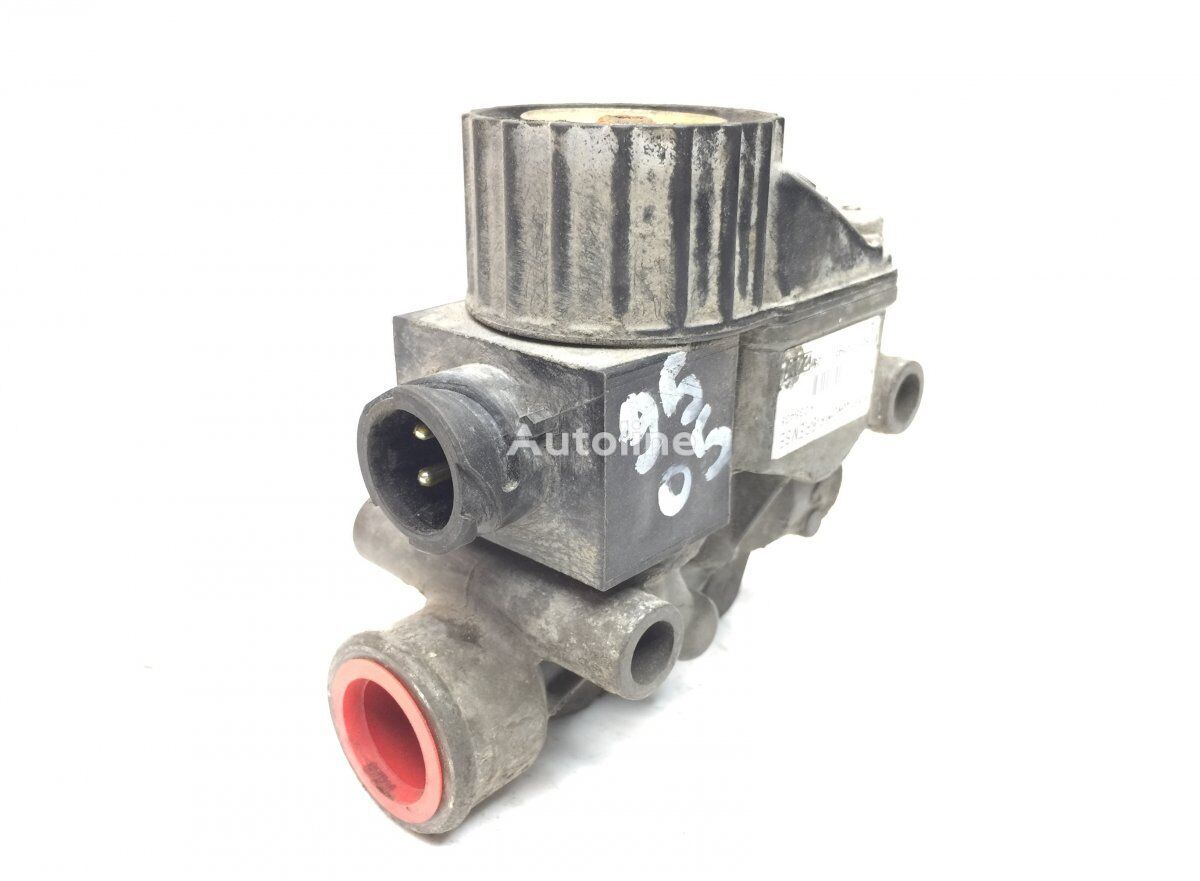 KNORR-BREMSE ABS Valve, Front Axle Left pneumatic valve for SCANIA 4-series 94/114/124 bus (1995-2005) bus