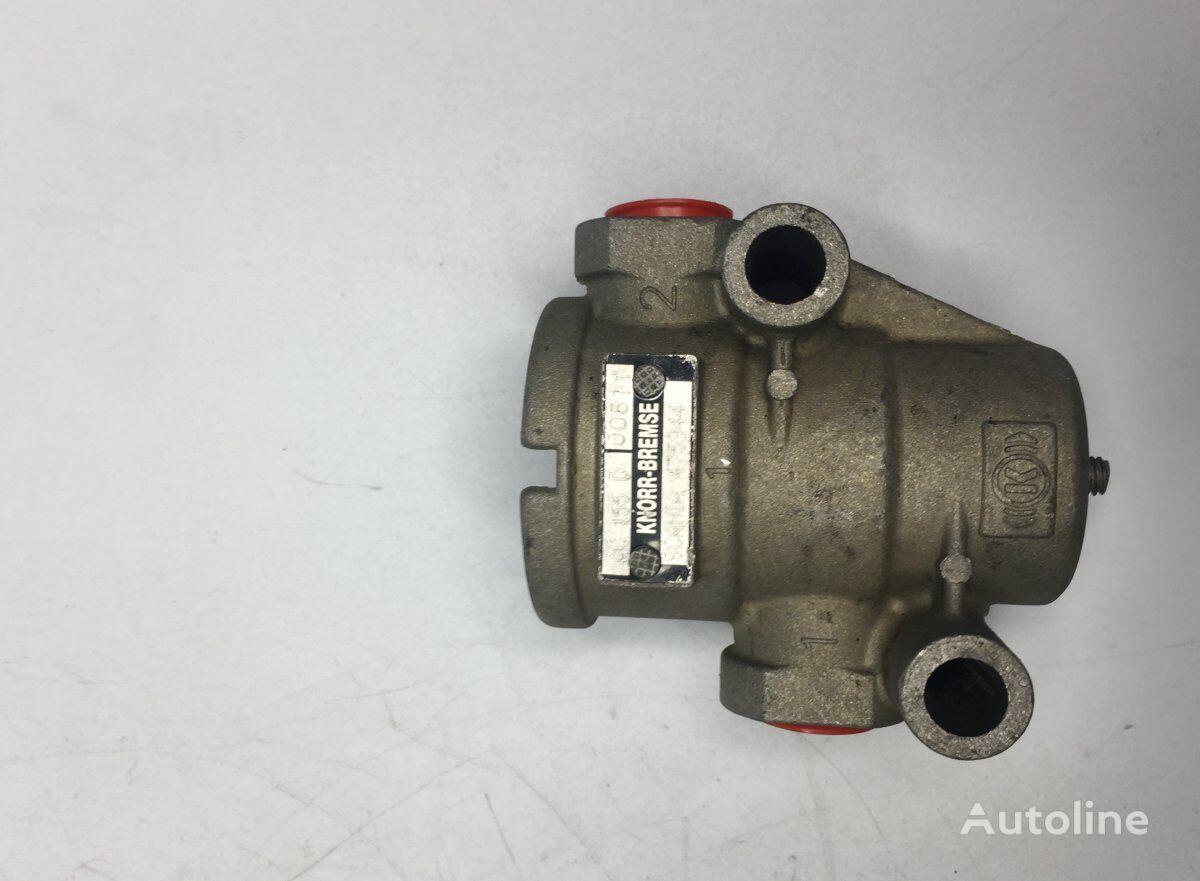 KNORR-BREMSE Air Pressure Regulator (2250738 475944) pneumatic valve for SCANIA 4-series 94/114/124 (1995-2005) bus