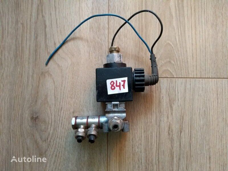 SCANIA (1340232) pneumatic valve for SCANIA 4-Series truck