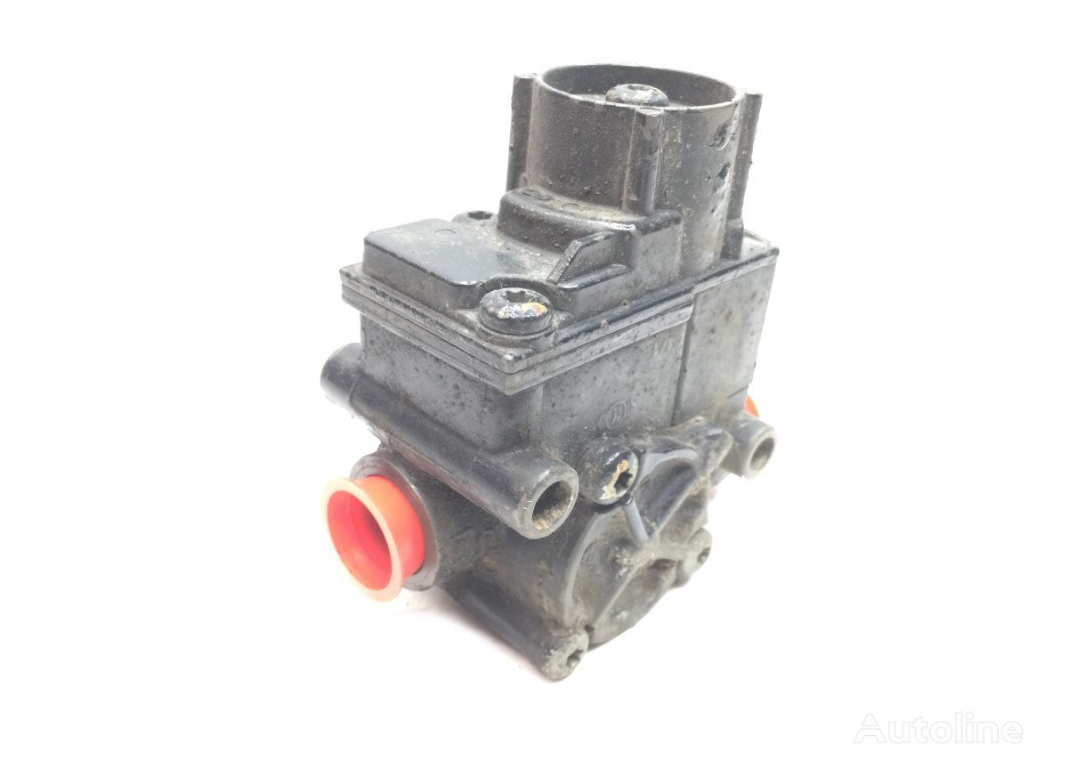 ABS Valve, Front Axle Right (K038438 II40864) pneumatic valve for MAN TGX (2007-) tractor unit