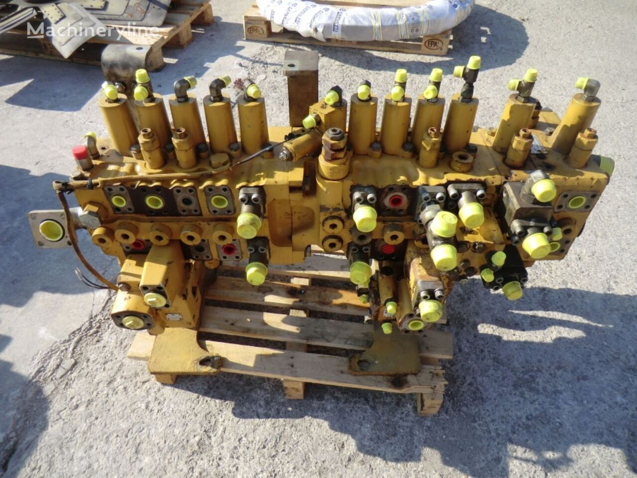 CONTROL & MTG VALVE GP + CONTROL VALVE GP FOR MEDIUM PRESSURE pneumatic valve for CATERPILLAR 319C NL KGL00643 excavator