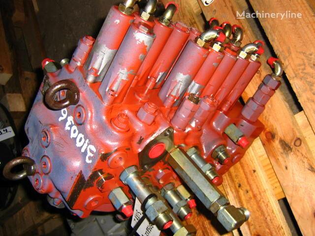 HITACHI KAYABA C0170-31044 pneumatic valve for HITACHI ZX85US excavator