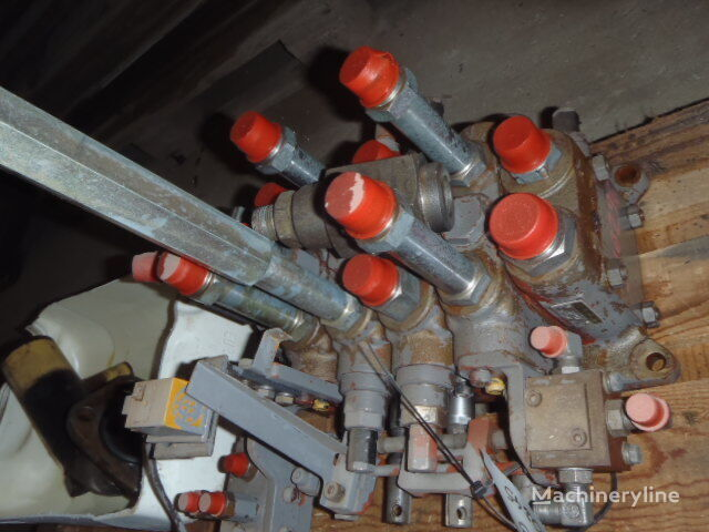 HITACHI NIKKI 10152 pneumatic valve for HITACHI UH073 excavator