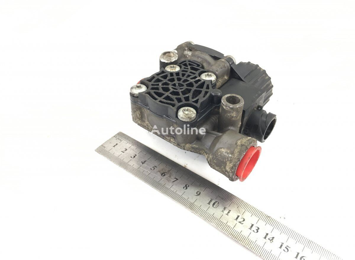 KNORR-BREMSE LIONS CITY A23 (01.96-12.11) (K038438 II40864) pneumatic valve for MAN bus