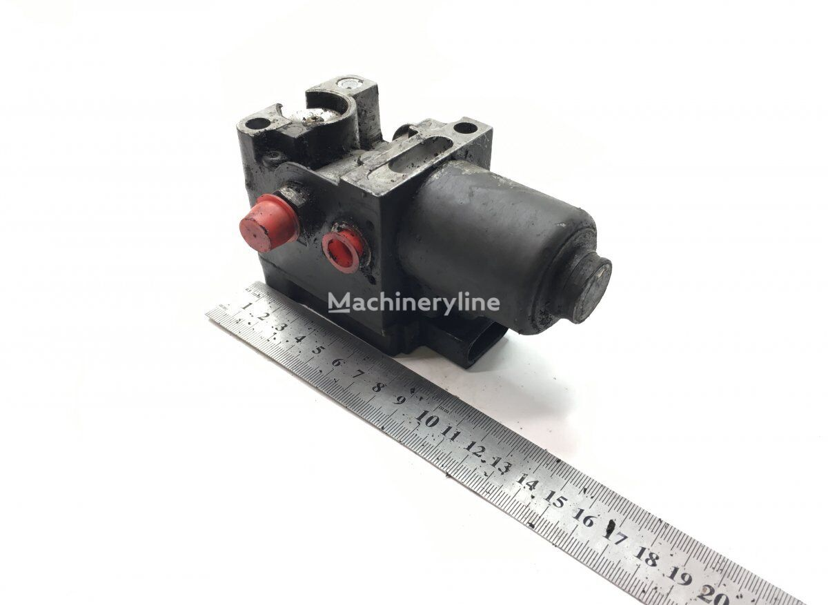 MERCEDES-BENZ (5610142390) pneumatic valve for MERCEDES-BENZ Econic 2628 (01.98-) garbage truck