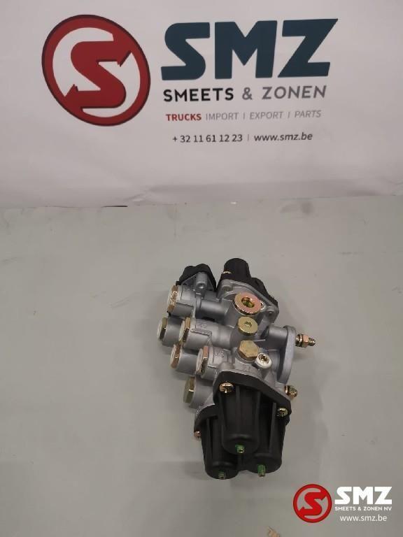 new MERCEDES-BENZ 4-weg ventiel Mercedes 9347050050 pneumatic valve for MERCEDES-BENZ truck