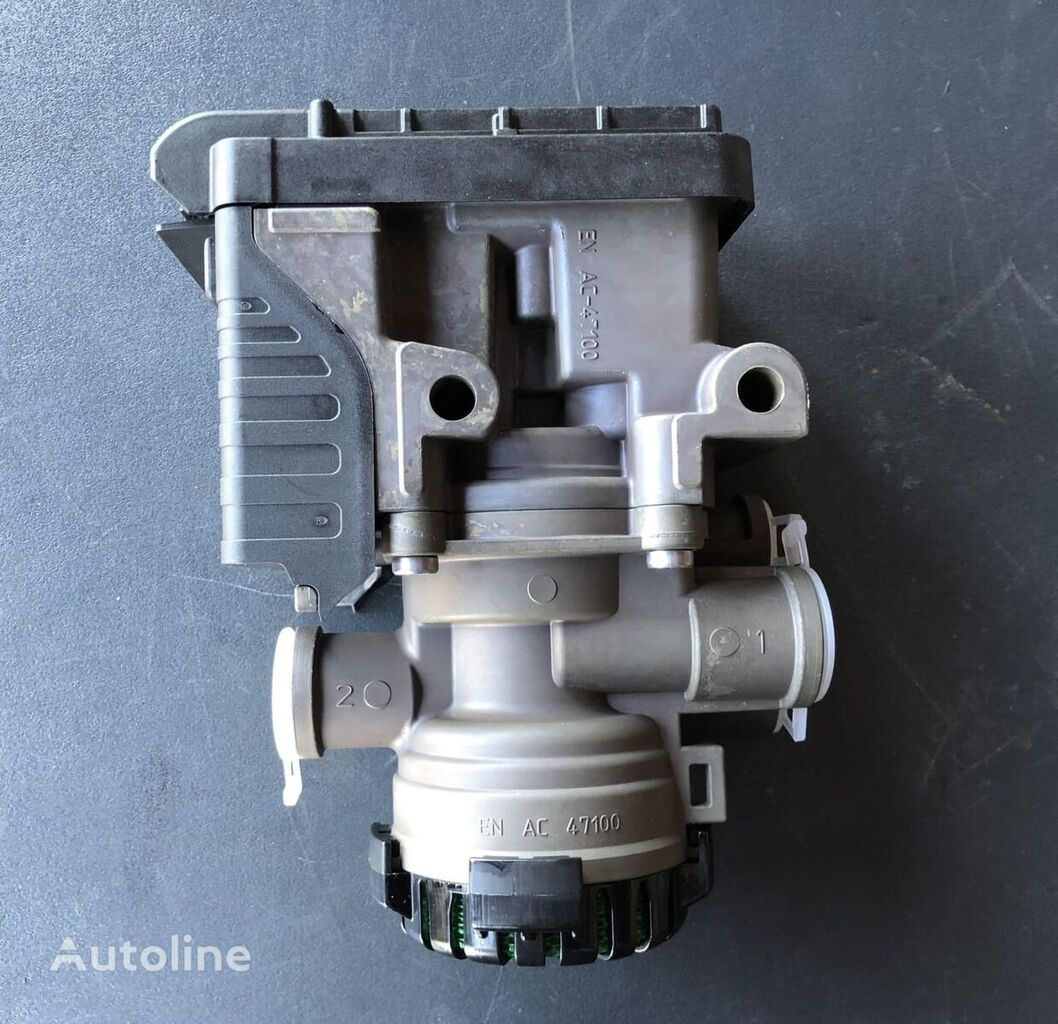 new SCANIA (2653379) pneumatic valve for tractor unit