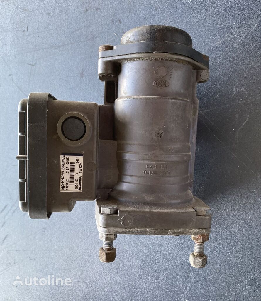 SCANIA TRAILER CONTROL VALVE (1879274) pneumatic valve for tractor unit