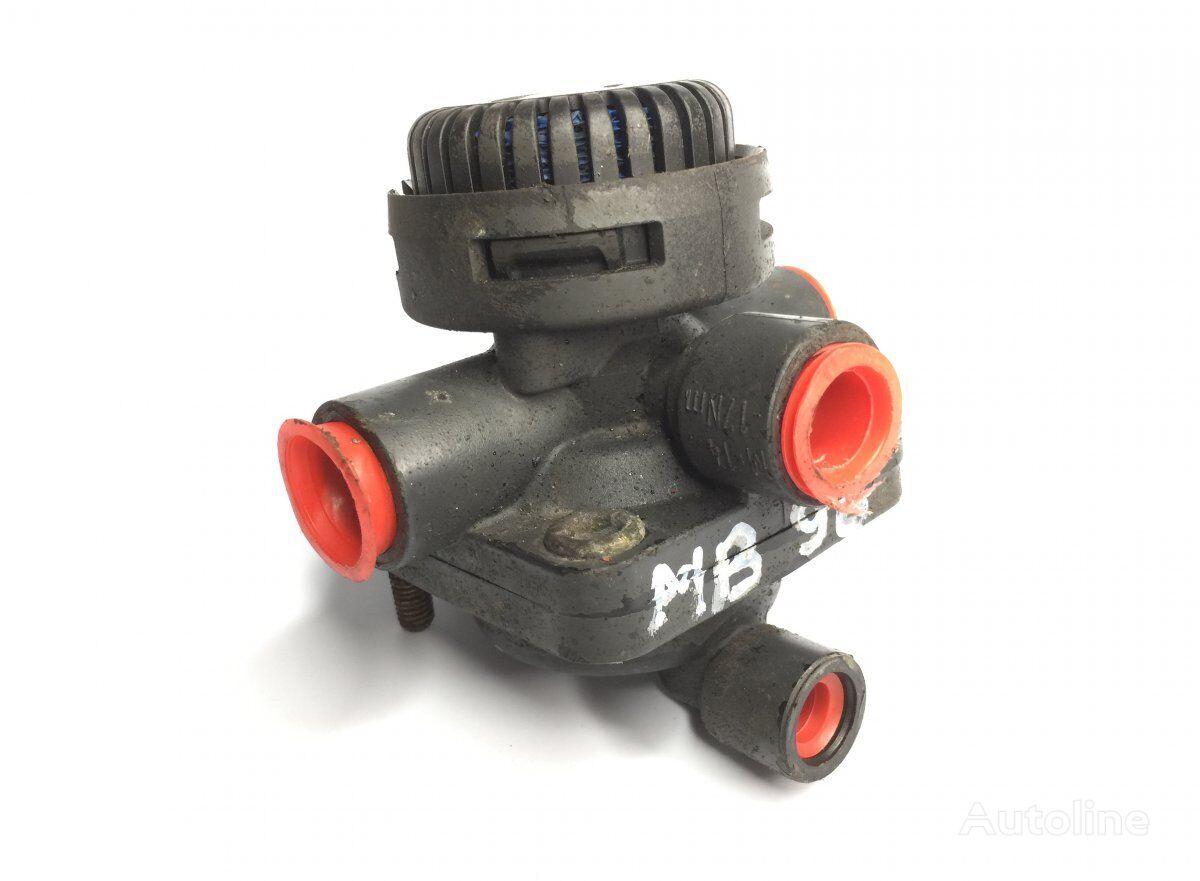 WABCO Relay Valve pneumatic valve for MERCEDES-BENZ Actros MP1 (1996-2002) tractor unit
