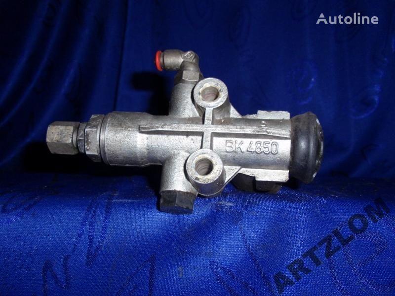 ZAWÓR PNEUMATYCZNY SIEDZENIA KIEROWCY 443624015004 pneumatic valve for bus