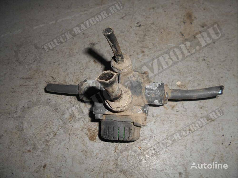 uskoritelnyy (1360613) pneumatic valve for DAF tractor unit