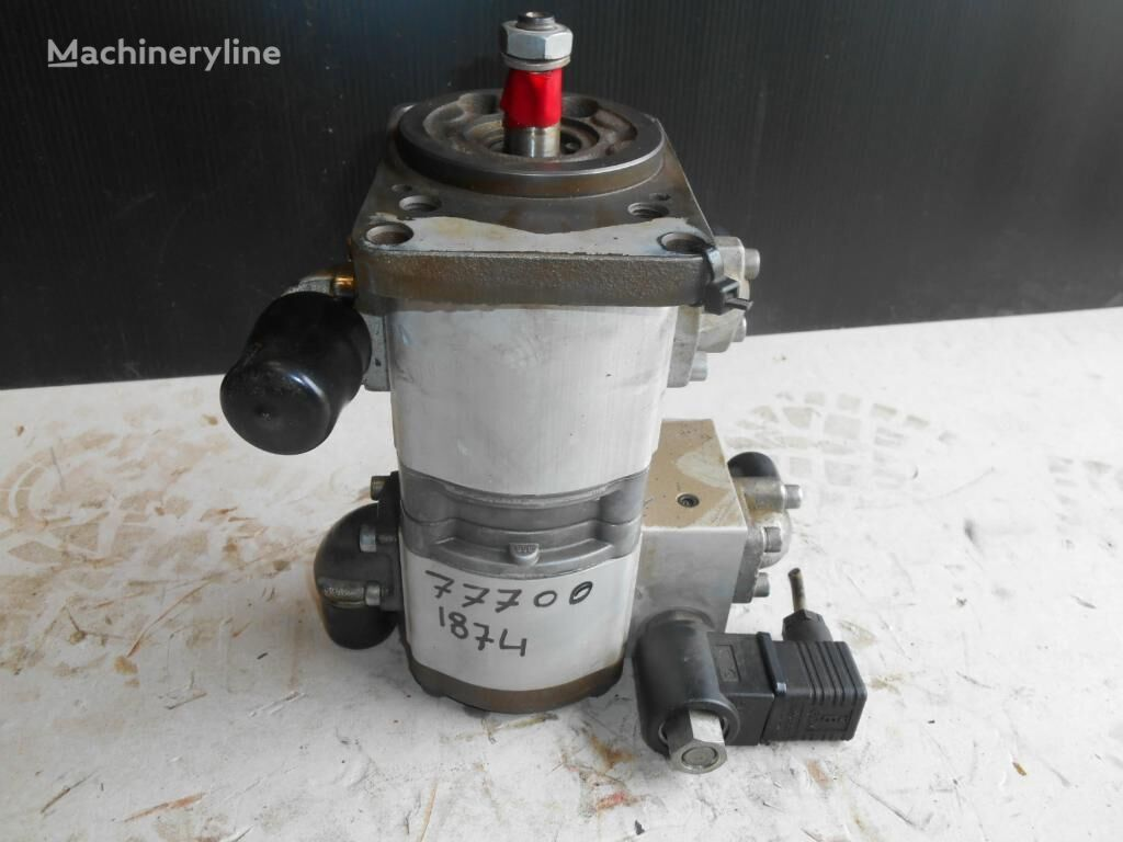 BOSCH Unknown (0510900023) power steering pump for excavator