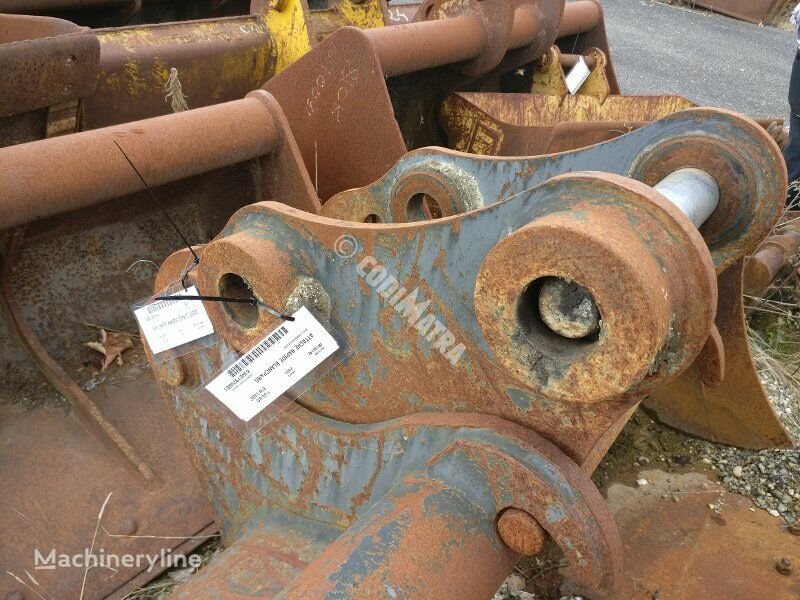 VOLVO ATTACHE RAPIDE BLANCHARD quick coupler for VOLVO EW140C excavator