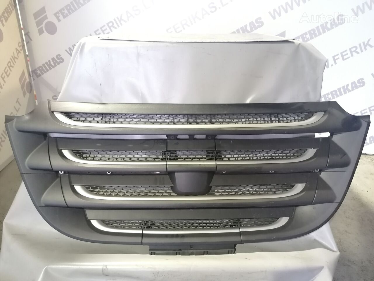 DAF radiator grille for DAF XF106 tractor unit