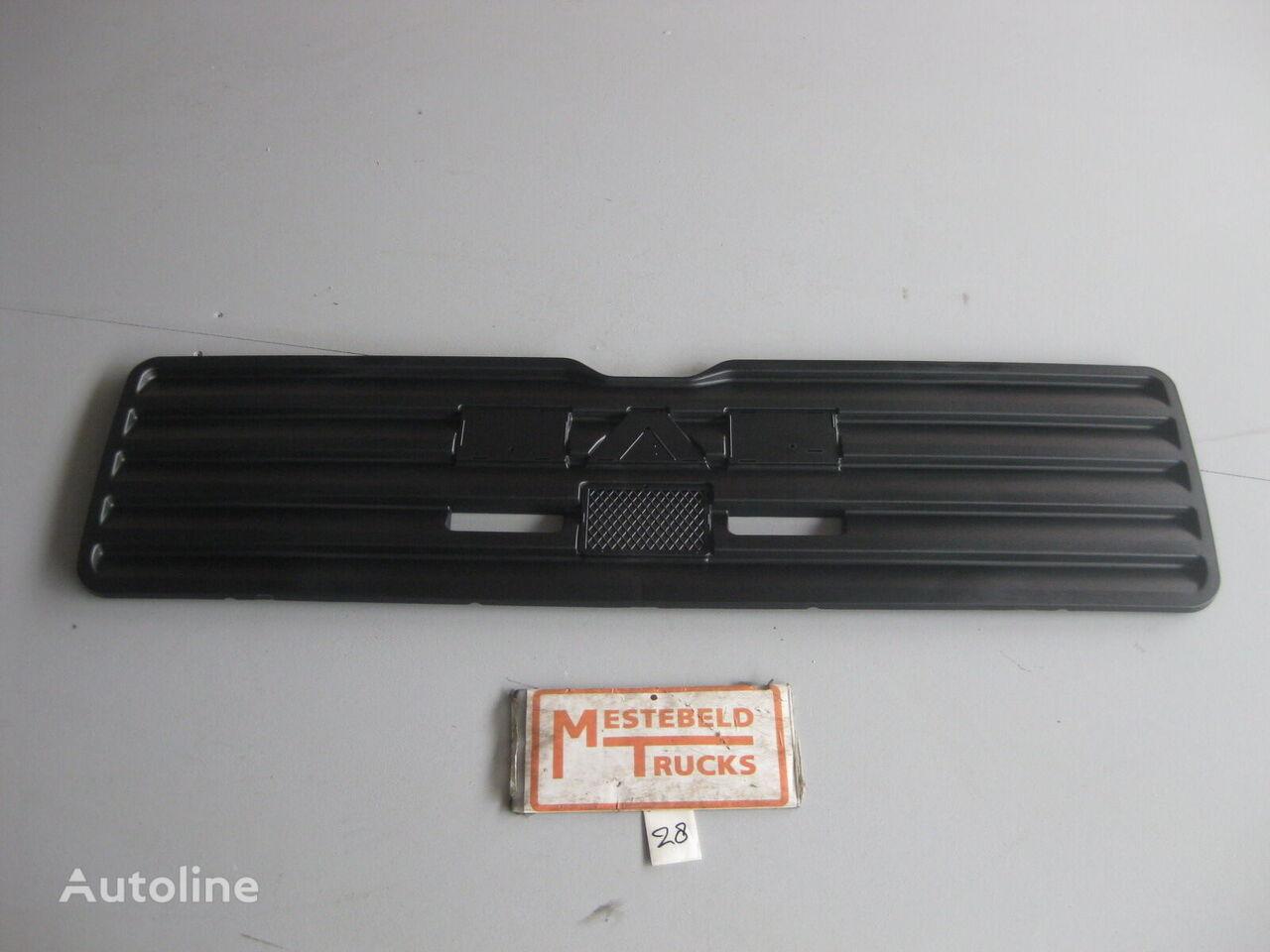 MAN Opvulstuk grille radiator grille for MAN TGA XL-XXL truck