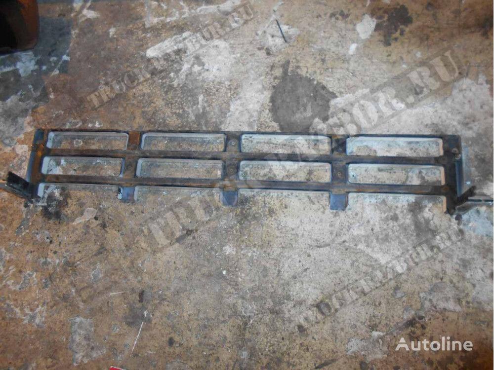 stupenka reshetki radiatora verhnyaya Volvo (20529704) radiator grille for tractor unit
