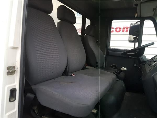Asiento Delantero Derecho seat for MAN L2000 8.103-8.224 EUROI/II Chasis 8.163 F / LC E 2 [4,6 Ltr. - 114 kW Diesel] truck
