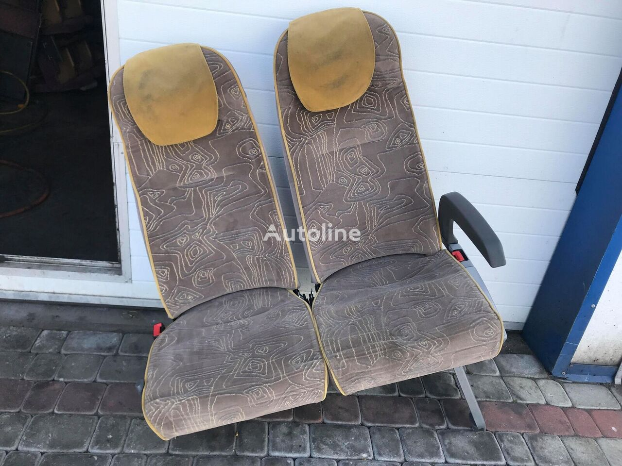 E seat for bus