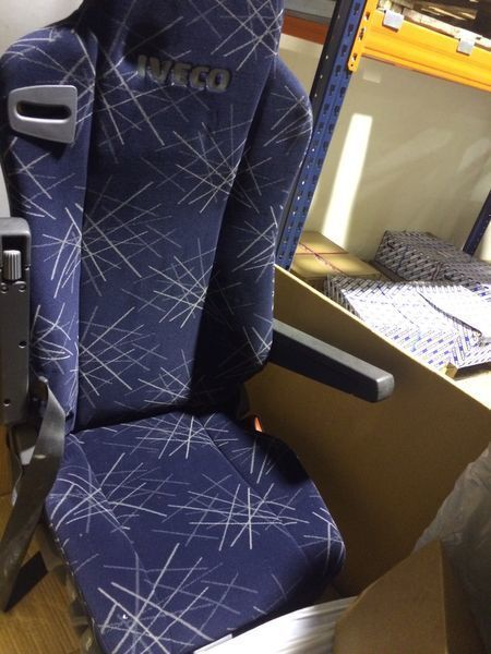 new IVECO ASIENTO NEUMATICO IZQ STRALIS seat for IVECO STRALIS tractor unit