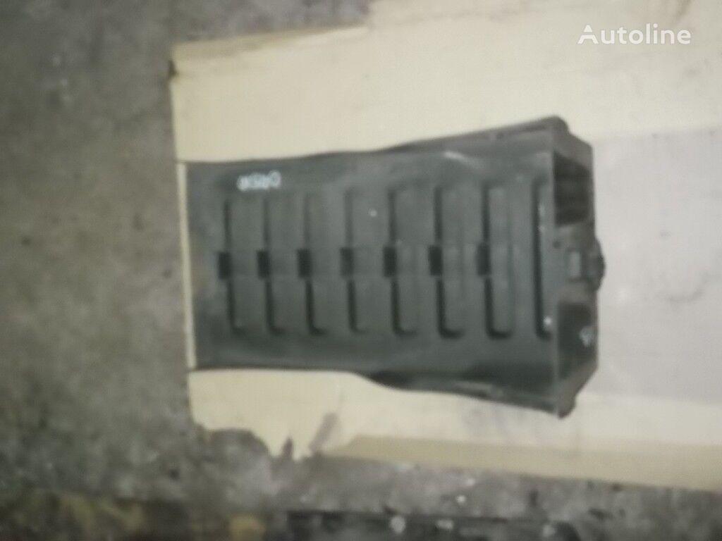 Kryshka akkumulyatora Renault spare parts for truck