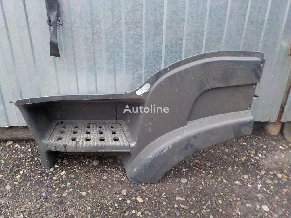 Korpus podnozhki LH Iveco spare parts for truck