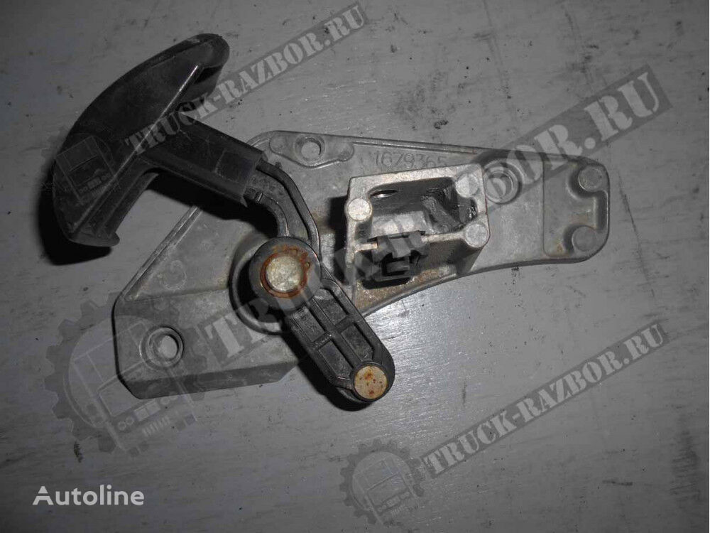ruchka dveri,LEV DAF (1679365) spare parts for DAF tractor unit