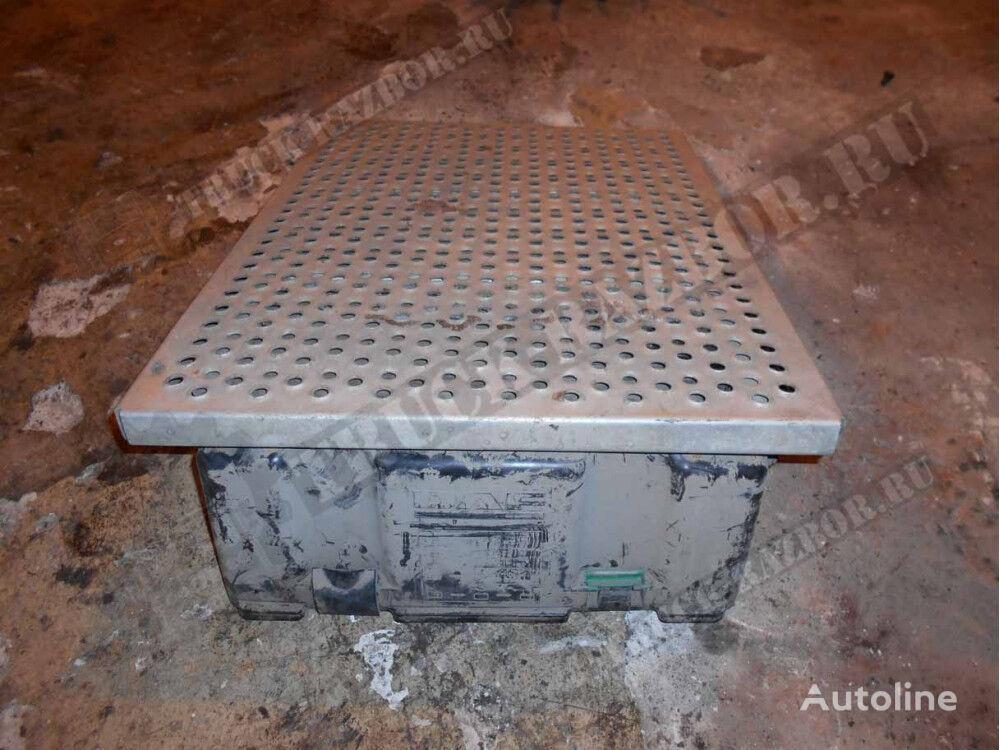 kryshka AKB DAF (1693113) spare parts for DAF tractor unit