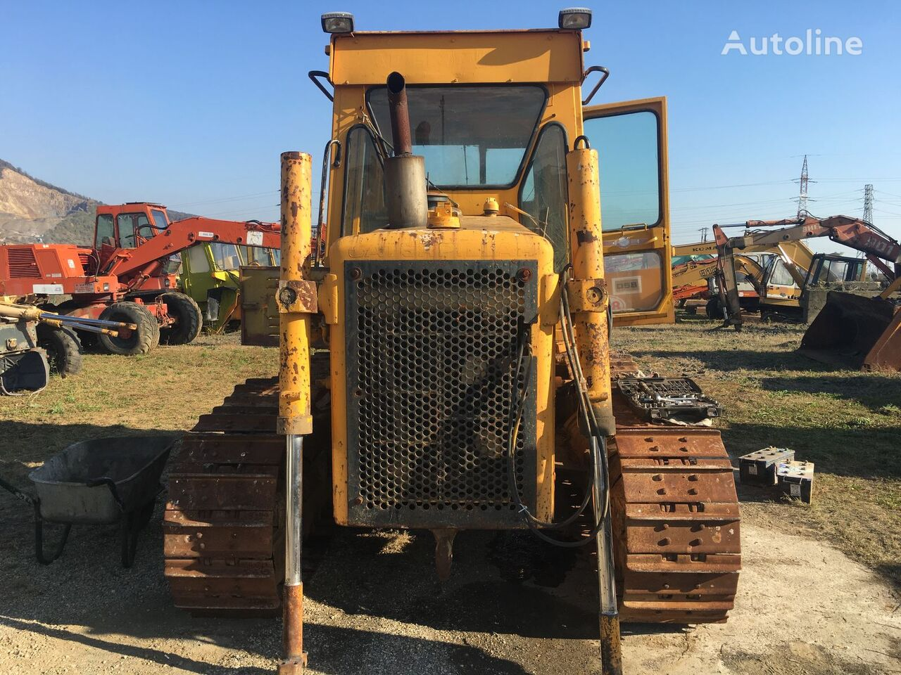 Buldozer CATERPILLAR D5B spare parts for bulldozer for parts