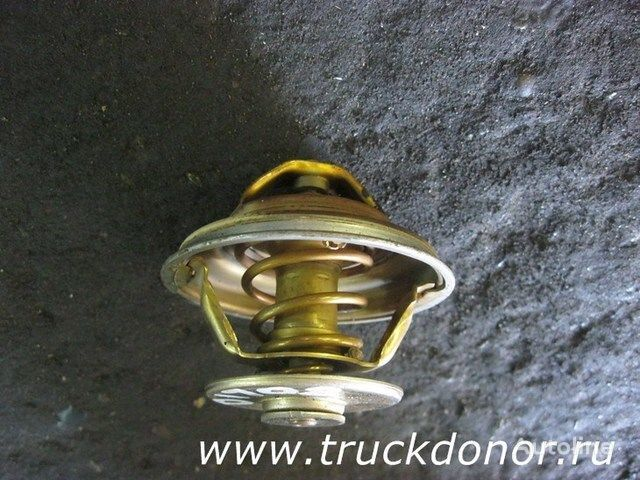 Termostat odinarnyy MAN 83°C spare parts for MAN truck