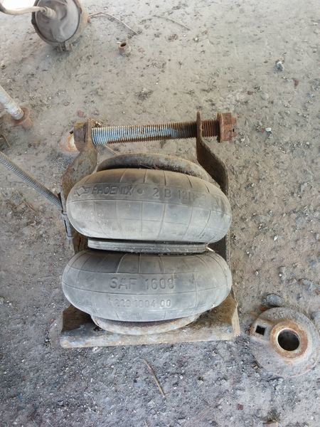 Rychag podemnoy osi SAF INTRA spare parts for SCHWARZMÜLLER semi-trailer